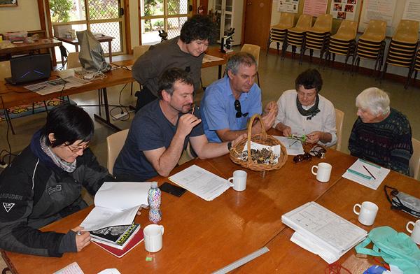 Spore Print workshop participants